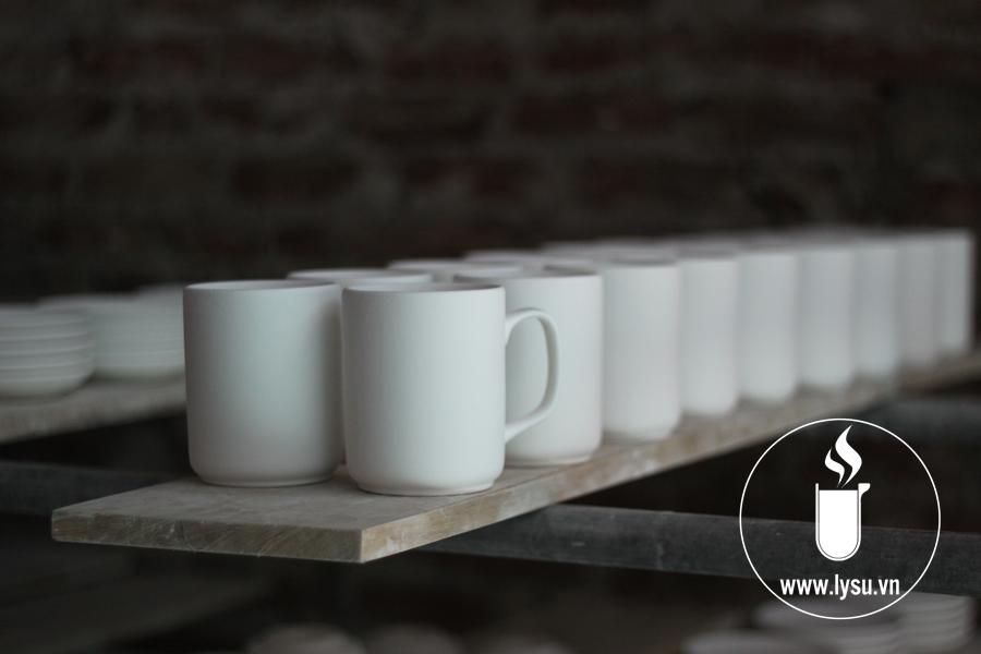 Các sản phẩm ly sứ được sản xuất tại Ly sứ Vinaly phải trải qua một quy trình khắt khe và tỉ mỉ nhằm đạt được chất lượng tốt nhất