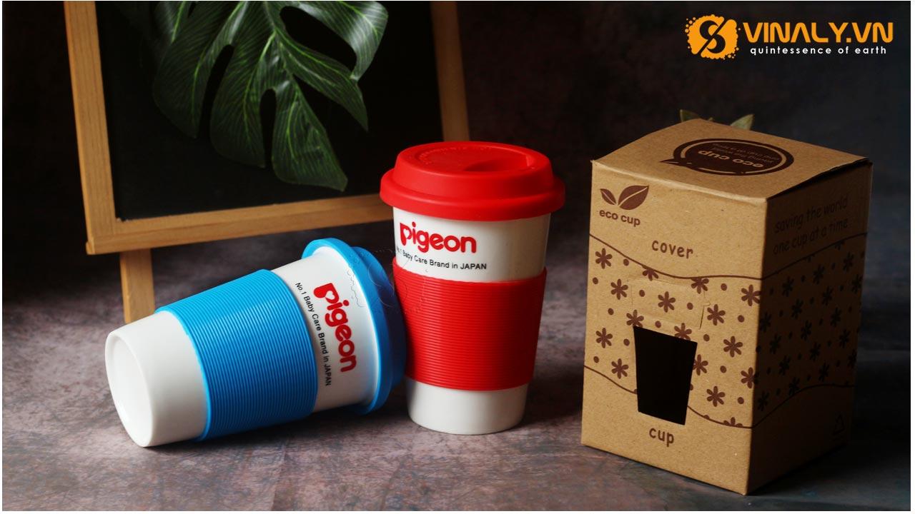 Ly sứ nắp Silicon in logo Pigeon sử dụng phương pháp in ly sứ là in nung