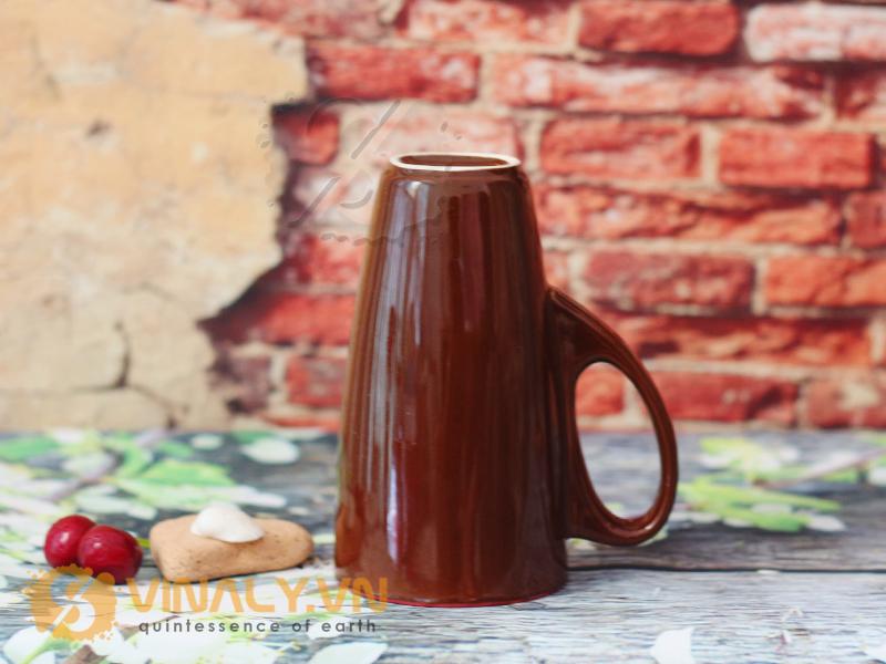 Thiết kế ẩn tượng, màu sắc lòng ly đa dạng – đây là chiếc ly được nhiều doanh nghiệp lựa chọn để làm quà tặng
