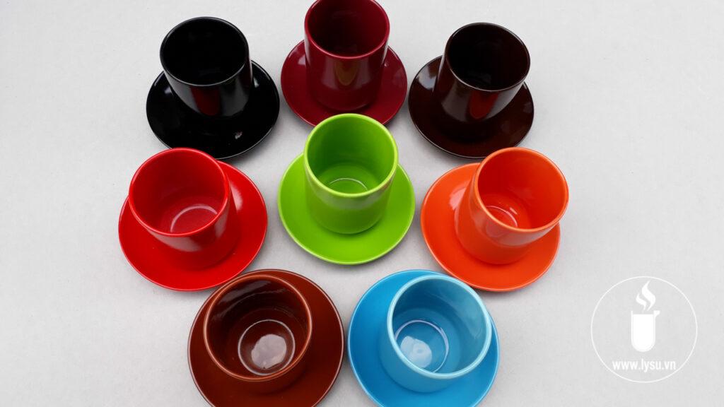 Ly có đầy đủ mọi màu sắc phù hợp với nhu cầu nhận diện thương hiệu của doanh nghiệp