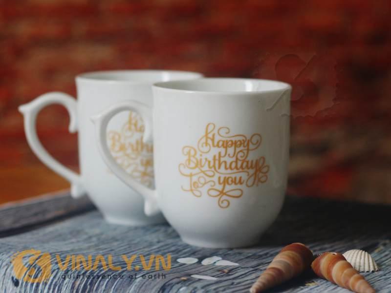 Ly sứ in nhũ vàng làm tặng nhân ngày sinh nhật