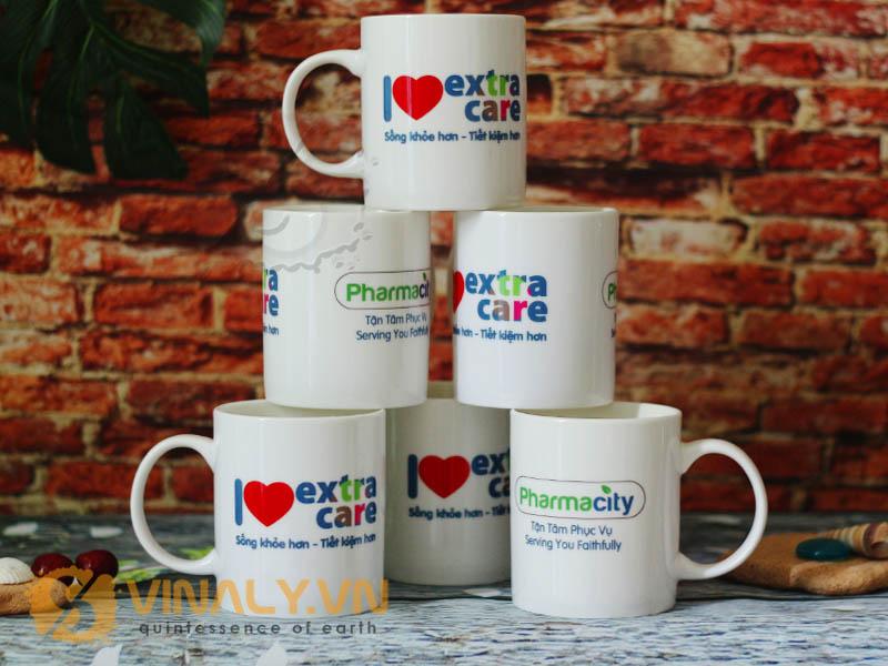 Ly sứ trắng in logo doanh nghiệp Pharmacity