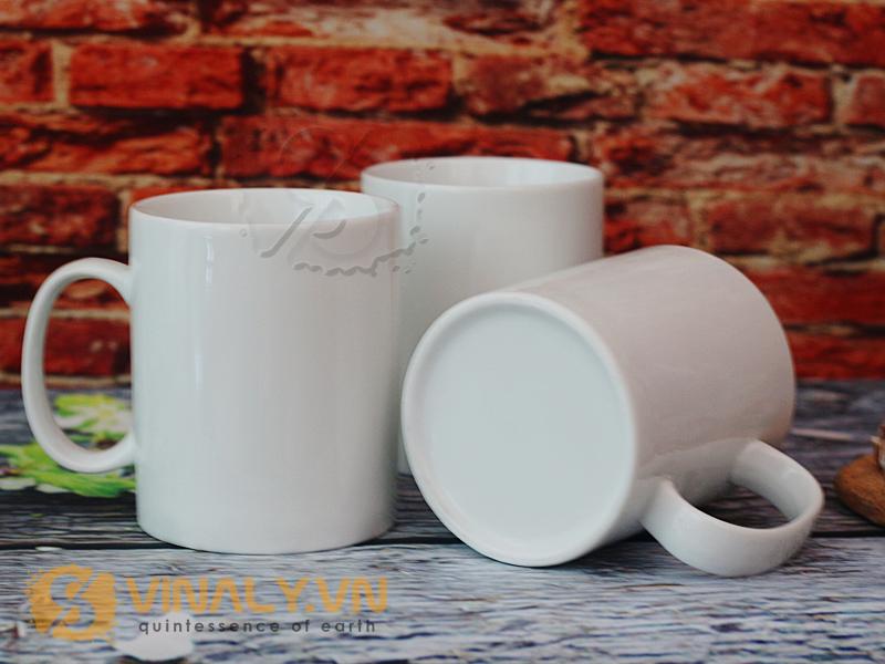 Ly sứ trắng trụ Vinaly hiện đang là xu hướng quà tặng hot dành cho khách hàng