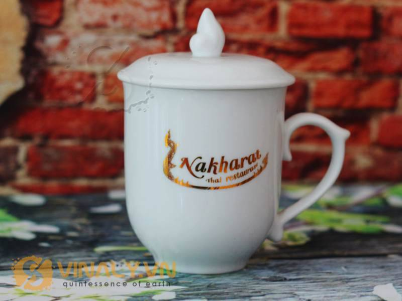 Ly sứ trắng bầu nắp ngọn lửa in logo Nakharat Thai restaurant