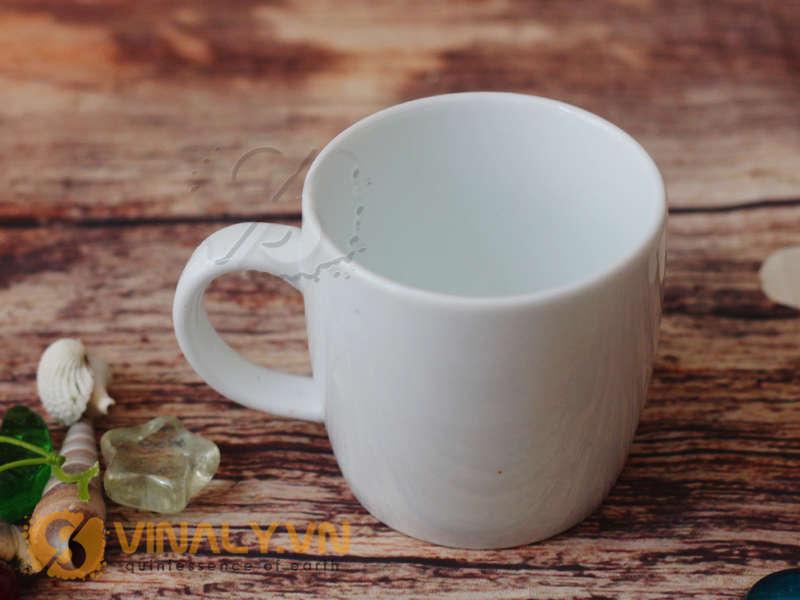 Dòng ly sứ trắng in logo được sản xuất tại bát tràng