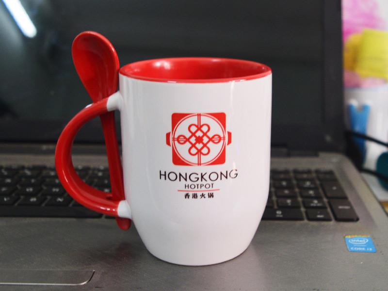 Ly sứ màu - ly sứ in logo doanh nghiệp