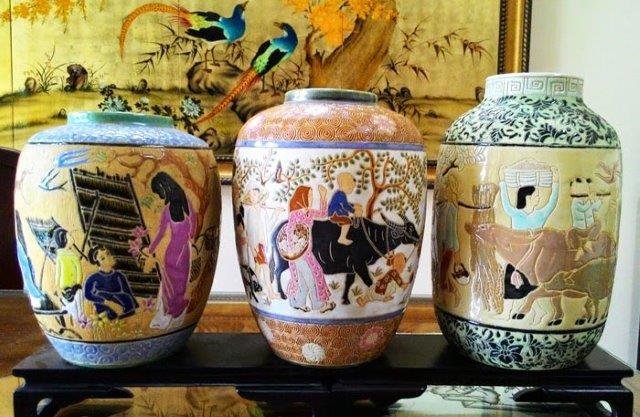 Vẻ đẹp đặc trưng của làng gốm Biên Hòa là nguồn nguyên liệu cao lanh và đất sét màu chất lượng cao cùng với trình độ của thợ gốm có tay nghề.
