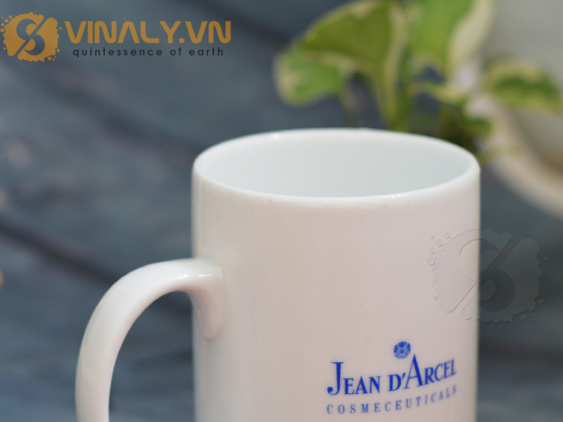 Ly sứ trắng trụ cao in logo Jean D'Arcel