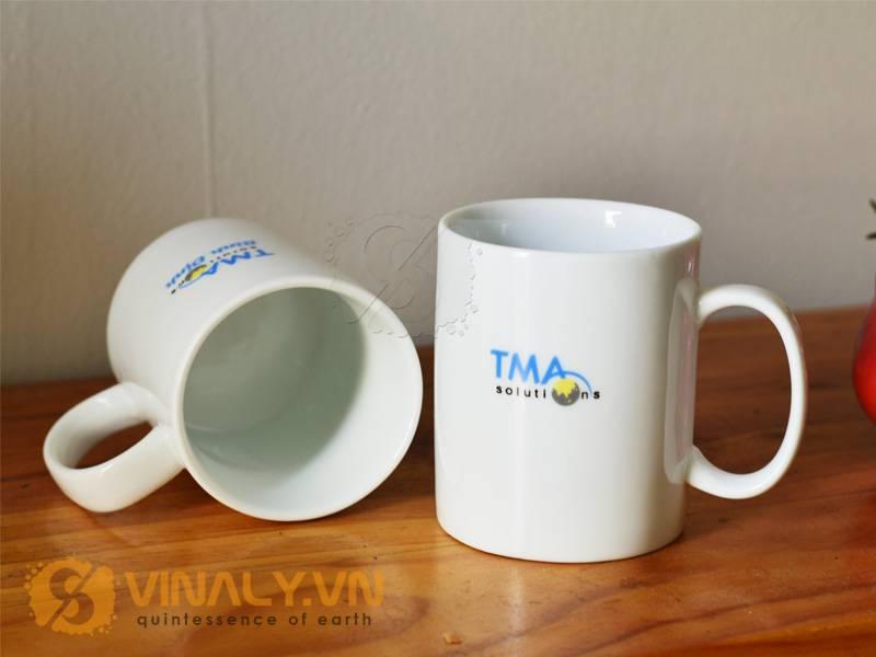 Ly sứ in logo TMA solutions Bình Định
