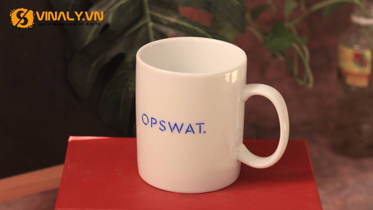 Ly sứ trắng trụ Vinaly in logo Opswat