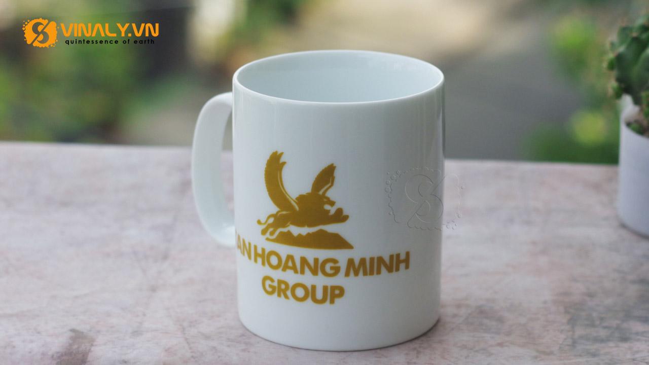 Ly sứ in logo Tân Hoàng Minh Group