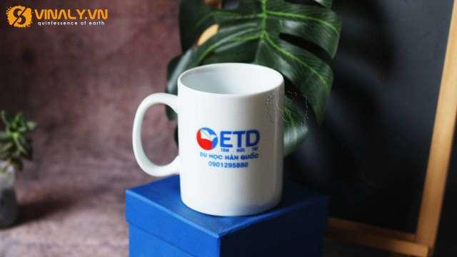 Ly sứ in logo ETD  - Du học Hàn Quốc sử dụng phương pháp in ly sứ là in nung