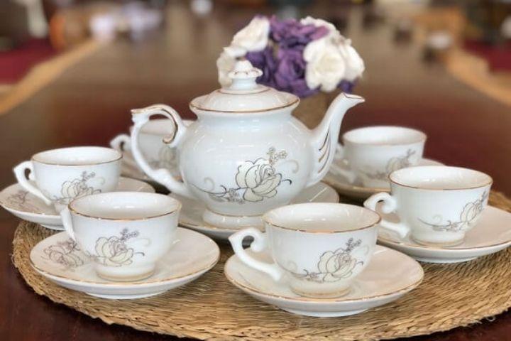 Bộ ấm trà sứ đẹp