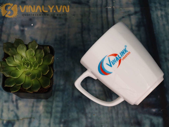 Ly sứ cafe in logo bắt mắt