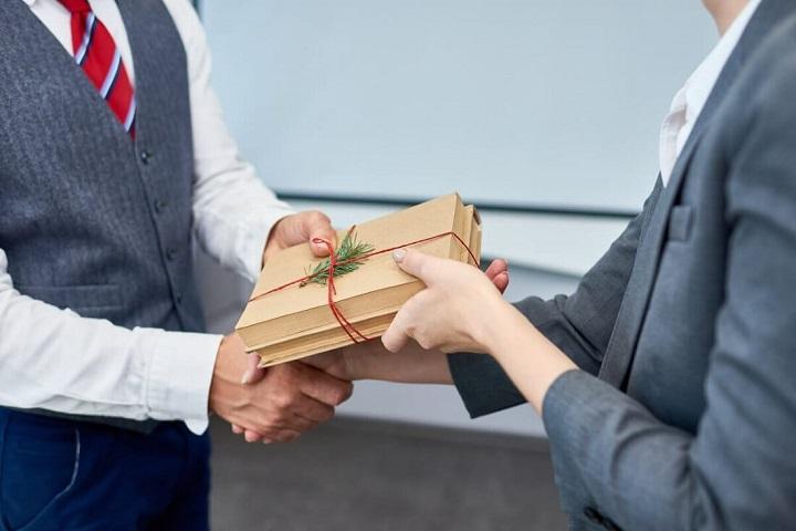 Quà tặng doanh nghiệp có ý nghĩa như thế nào?