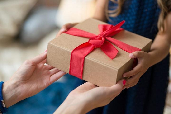 Lưu ý doanh nghiệp cần tránh khi tặng quà