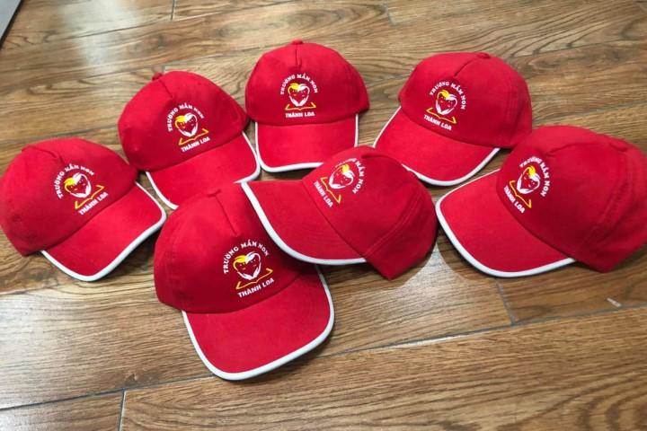 Mũ (nón) in logo độc đáo, dễ dàng thể hiện cá tính riêng của đơn vị, tổ chức.
