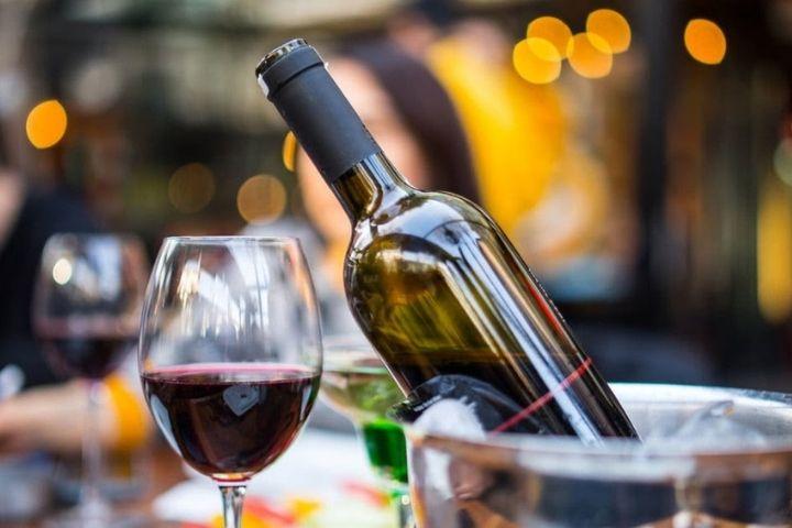 Quà tặng khách hàng dịp tết bằng rượu vang